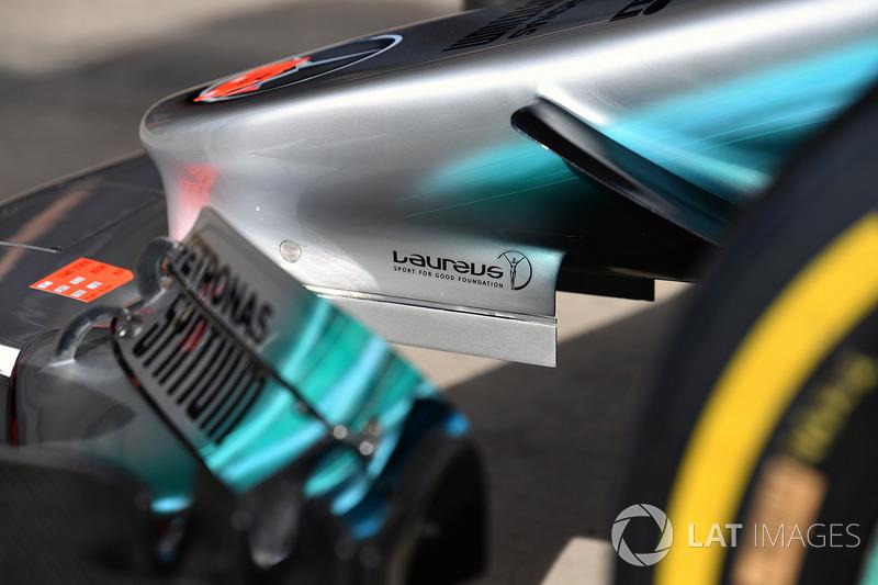Носовой обтекатель Mercedes AMG F1 W08