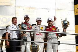 Podium: le vainqueur Marco Wittmann, BMW Team RMG, BMW M4 DTM, le deuxième René Rast, Audi Sport Team Rosberg, Audi RS 5 DTM, le troisième Mike Rockenfeller, Audi Sport Team Phoenix, Audi RS 5 DTM, Stefan Reinhold, Team principal BMW Team RMG