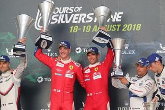 Podio GT Pro: ganadores #51 AF Corse Ferrari 488 GTE EVO: Alessandro Pier Guidi, James Calado