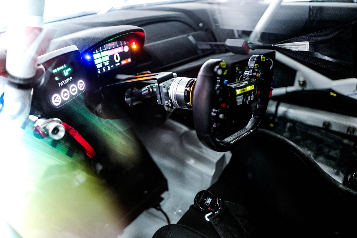 Drive by wire steering of Timo Glock, ROWE Racing  - drive by wire steering of timo 1 - Glock getting to grips with 'Space Drive' system in DTM
