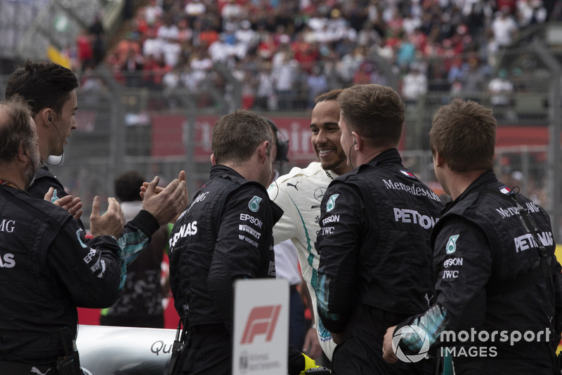 2018 F1 Dünya Şampiyonu Lewis Hamilton, Mercedes AMG F1, parc ferme