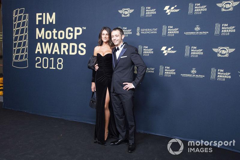 Валентино Россі, Yamaha Factory Racing, зі своєю дівчиною