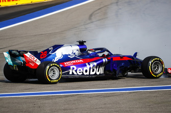 Разворот: Брендон Хартли, Scuderia Toro Rosso STR13