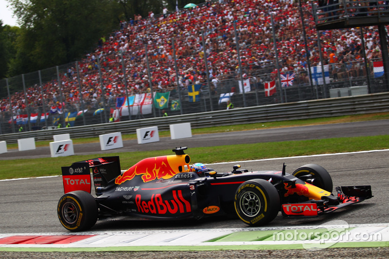 14º Daniel Ricciardo - 17 carreras - De España 2016 a Abu Dhabi 2016 - Red Bull