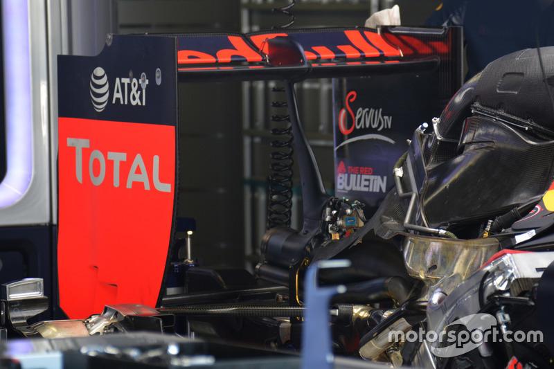 Red Bull Racing RB12, arka kanat