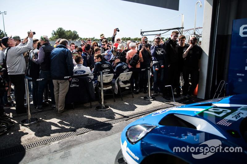 #67 Ford Chip Ganassi Racing Team UK, Ford GT: Marino Franchitti, Andy Priaulx, Harry Tincknell, bei