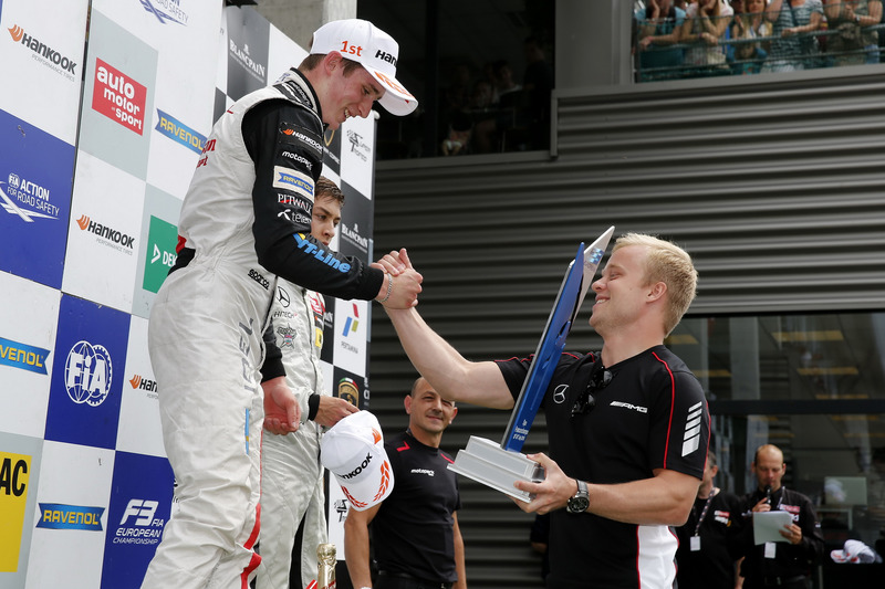 Podium, Joel Eriksson, Motopark, Dallara F312 - Volkswagen getting the trophy of Felix Rosenqvist, 2015 FIA F3 European Championship Winner,