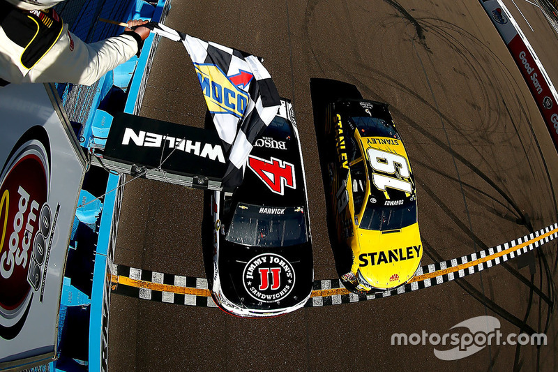 Phoenix 2016: Kevin Harvick und Carl Edwards