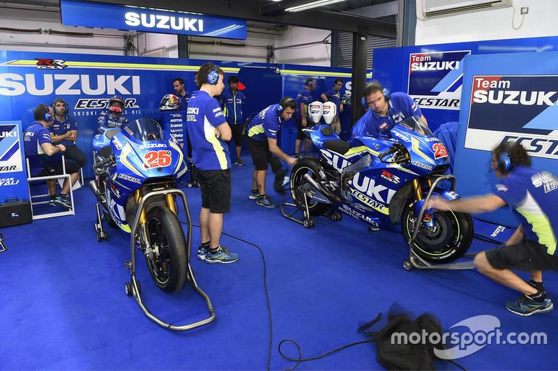 Suzuki MotoGP team area at Qatar March testing