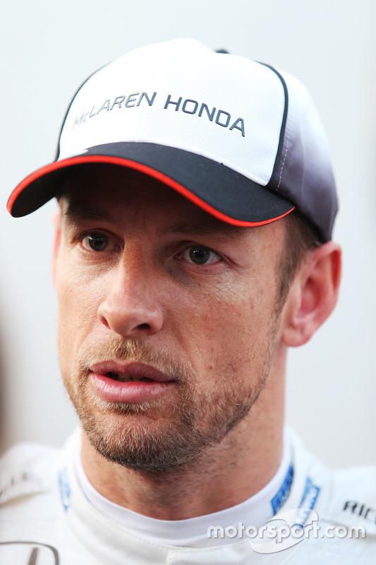 Jenson Button, McLaren met de media