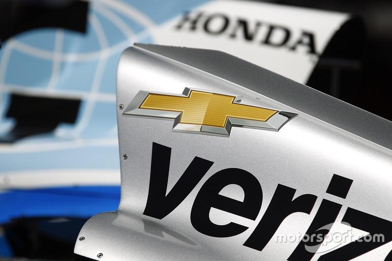 Кожухи двигателя на автомобилях Макса Чилтона, Chip Ganassi Racing Honda, Уилла Пауэра, Team Penske Chevrolet
