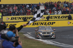 Ganadores David Reynolds, Luke Youlden, Erebus Motorsport Holden