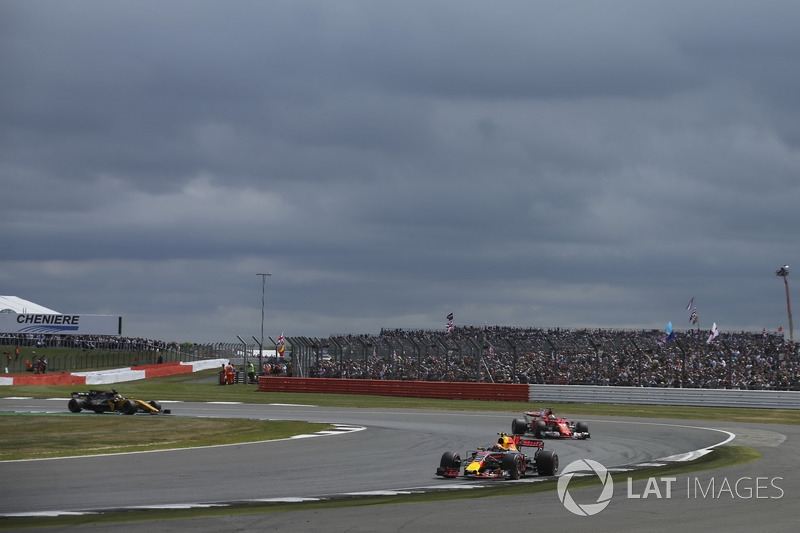 Max Verstappen, Red Bull Racing RB13, Sebastian Vettel, Ferrari SF70H, Nico Hulkenberg, Renault Sport F1 Team RS17
