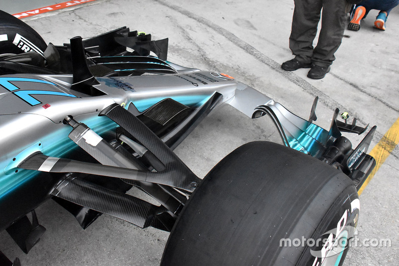 Mercedes AMG F1 W08 front wing