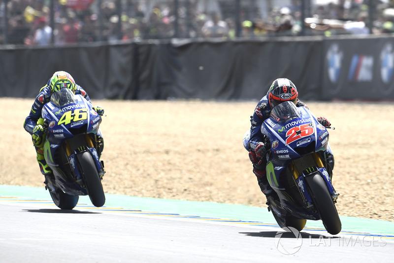 """<img src=""""http://cdn-1.motorsport.com/static/custom/car-thumbs/MOTOGP_2017/BIKES/Yamaha.png"""" width=""""80"""" /> Movistar Yamaha MotoGP"""