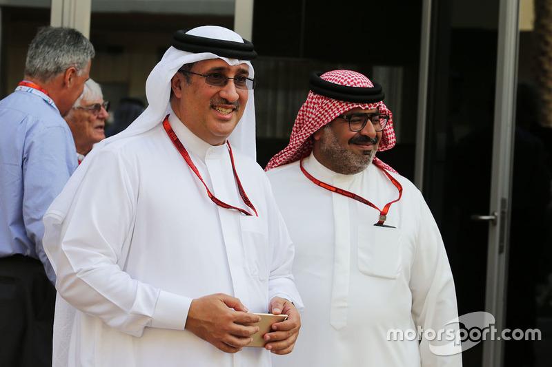 El Jeque Mohammed bin Essa Al Khalifa, Director Ejecutivo de la Junta de desarrollo económico de Bahrein y accionista de McLaren con Muhammed Al Khalifa, negocios de circuito de Bahrein