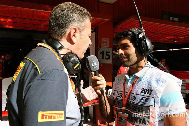 Спортивный директор Pirelli Марио Изола и Карун Чандок, Channel 4 F1