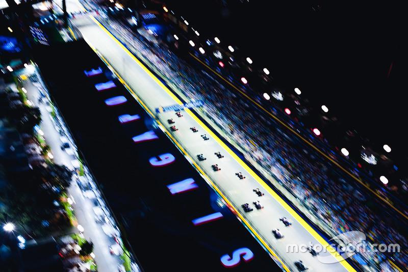 Гран При Сингапура: старт гонки