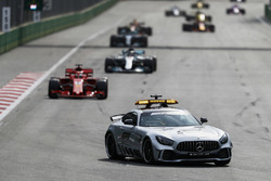 Güvenlik aracı,  Sebastian Vettel, Ferrari SF71H, Lewis Hamilton, Mercedes AMG F1 W09, Valtteri Bottas, Mercedes AMG F1 W09