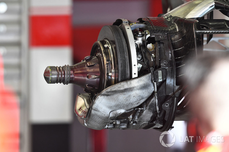 Ferrari SF71H brake and wheel hub