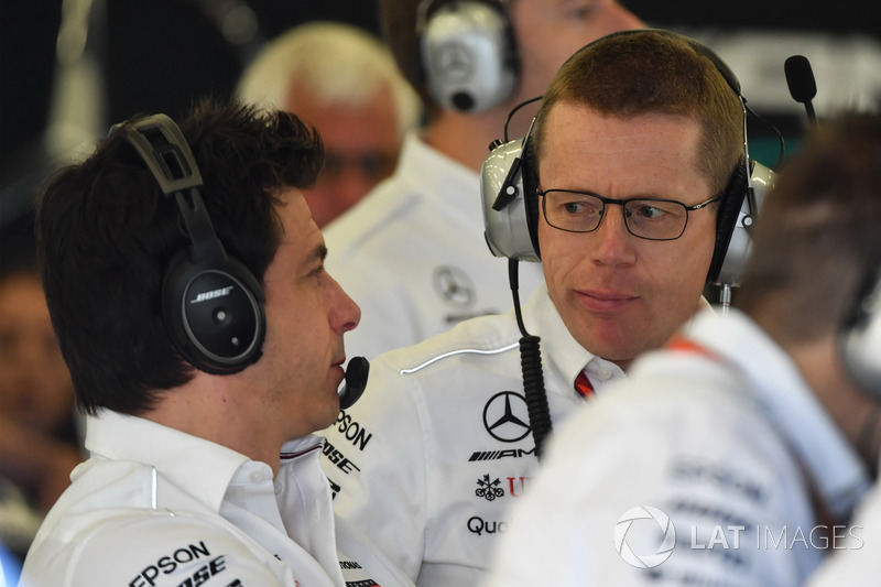 Toto Wolff, Direttore del Motorsport Mercedes AMG F1 e Andy Cowell, Managing Director, Mercedes AMG High Performance Powertrains