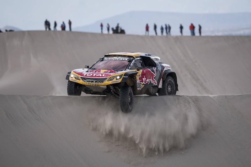 1. #300 Peugeot Sport Peugeot 3008 DKR: Стефан Петрансель, Жан-Поль Коттре