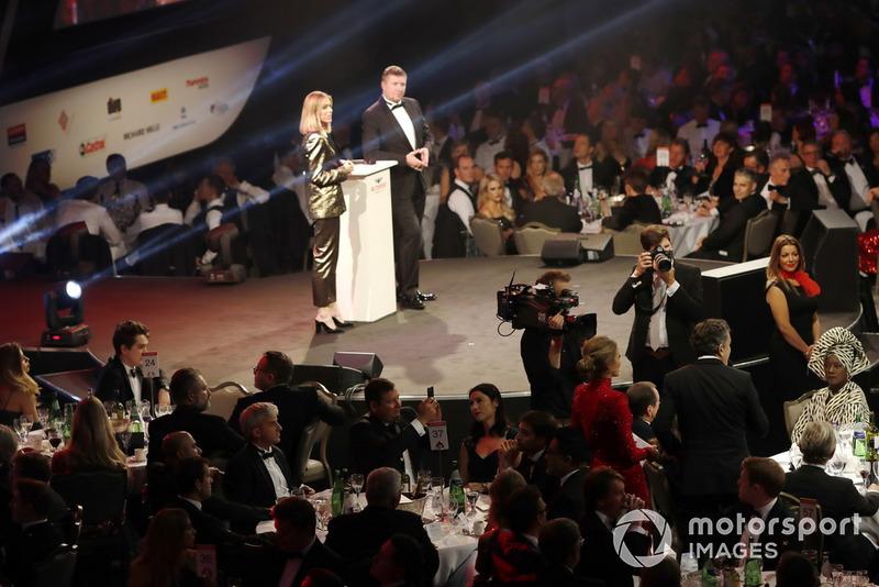 CEO de la FIA Fórmula E, Alejandro Agag y Julia Piquet