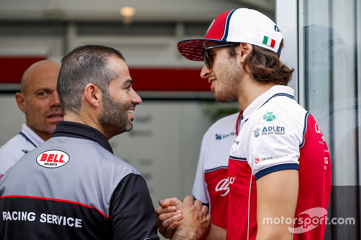 Antonio Giovinazzi, Alfa Romeo with Michael Aumento, Racing Manager at Bell Helmets