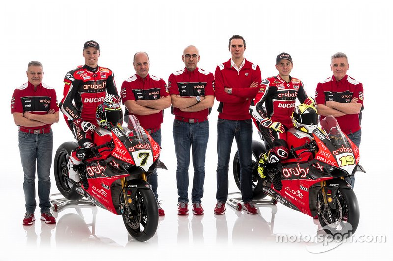 Чаз Девіс та Альваро Баутіста з командою, Aruba.it Racing-Ducati SBK Team