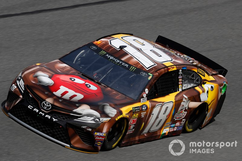 31. Kyle Busch, Joe Gibbs Racing, Toyota Camry M&M's Chocolate Bar