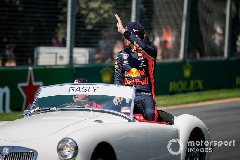 Pierre Gasly, Red Bull Racing, en el desfile de pilotos