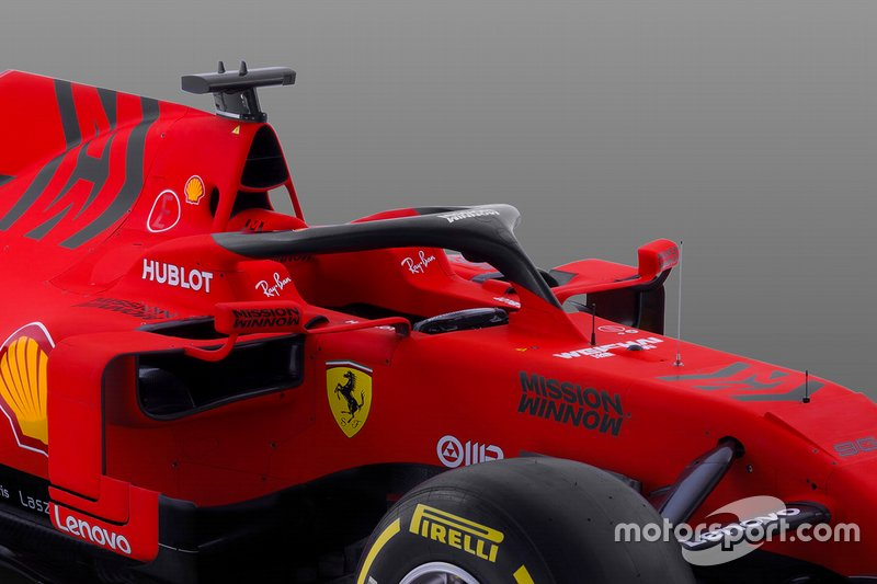 Автомобиль Ferrari SF90