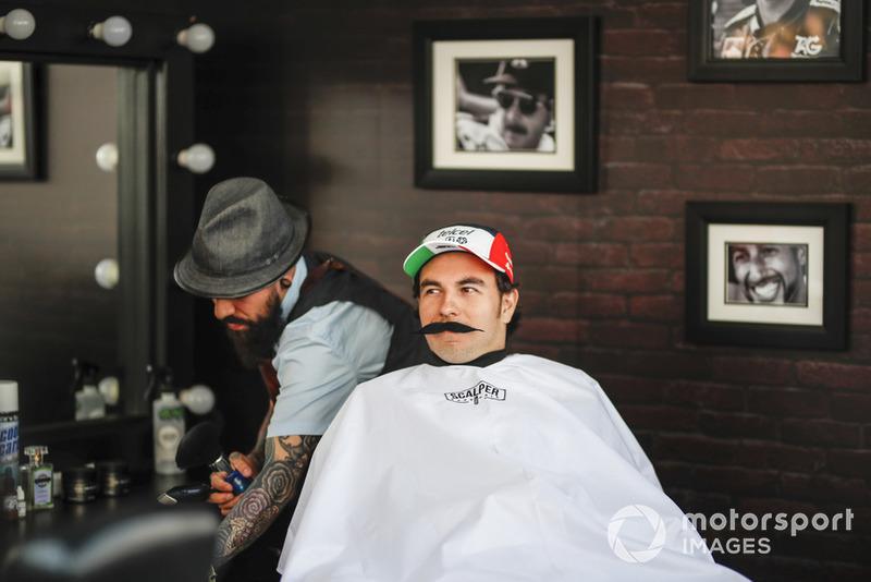 Sergio Perez, Racing Point Force India F1 Team, à la fondation Movember
