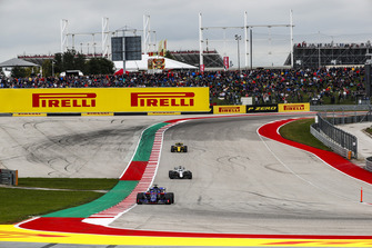 Brendon Hartley, Toro Rosso STR13, Lance Stroll, Williams FW41, y Carlos Sainz Jr., Renault Sport F1 Team R.S. 18