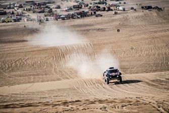 Карлос Сайнс и Лукас Крус, X-raid MINI JCW Rally Team, MINI JCW Buggy (№300)