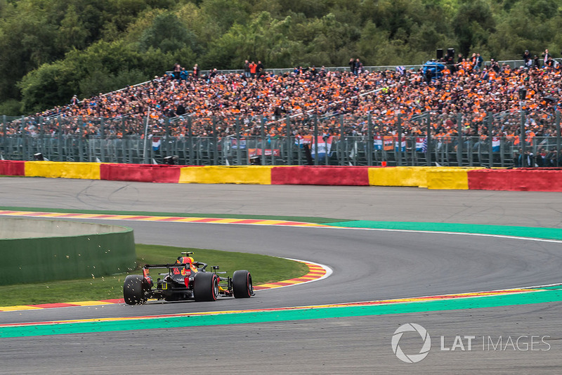 Max Verstappen, Red Bull Racing RB14 con fans
