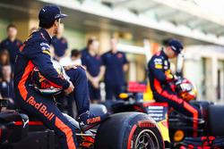Daniel Ricciardo, Red Bull Racing, Max Verstappen, Red Bull Racing at the team photo