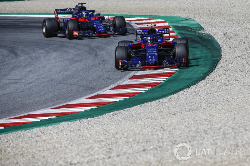 Pierre Gasly, Scuderia Toro Rosso STR13 e Brendon Hartley, Scuderia Toro Rosso STR13