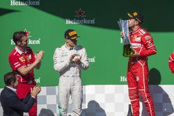 Podio: ganador de la carrera Sebastian Vettel, Ferrari, Segundo lugar Valtteri Bottas, Mercedes AMG F1 Giuseppe Vietina, Ferrari