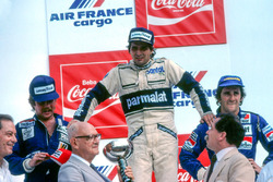 Podium: race winner Nelson Piquet, Brabham, second place Keke Rosberg, Williams, third place Alain Prost, Renault. Nelson Piquet and Keke Rosberg were later disqualified for illegal water tanks