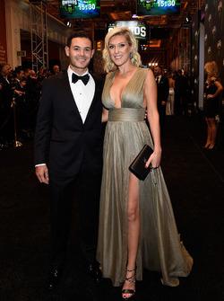 Kyle Larson ve kız arkadaşı Katelynn Sweet