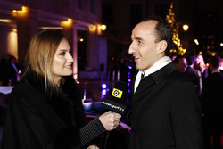 Robert Kubica speaks to Julia Piquet