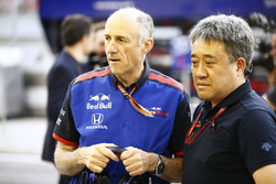 Franz Tost, Team Principal, Toro Rosso, y Masashi Yamamoto, manager , Honda Motorsport