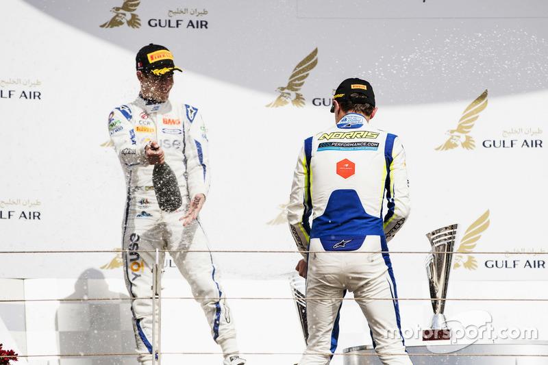Podium: second place Sergio Sette Camara, Carlin, Race winner Lando Norris, Carlin