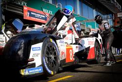 #8 Toyota Gazoo Racing Toyota TS050: Fernando Alonso, in the pit lane
