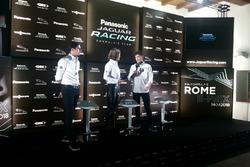 Nelson Piquet Jr., Jaguar Racing e Mitch Evans, Jaguar Racing, sul palco