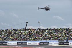 Crowds, helicopter