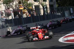 Sebastian Vettel, Ferrari SF70H at the restart