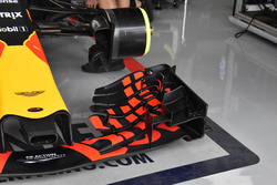 Red Bull Racing RB 13, front wing