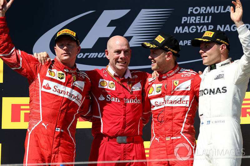 Podio: ganador de la carrera Sebastian Vettel, Ferrari, segundo lugar Kimi Raikkonen, Ferrari, tercer lugar Valtteri Bottas, Mercedes AMG F1, Jock Clear, Ferrari jefe de ingeniería